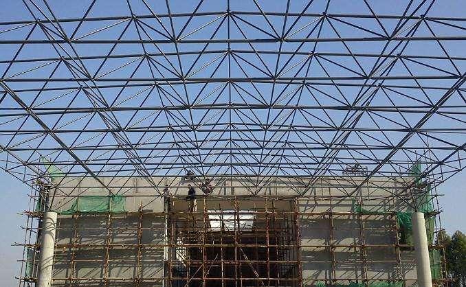 武汉市军运会公安检查站网架钢结构工程