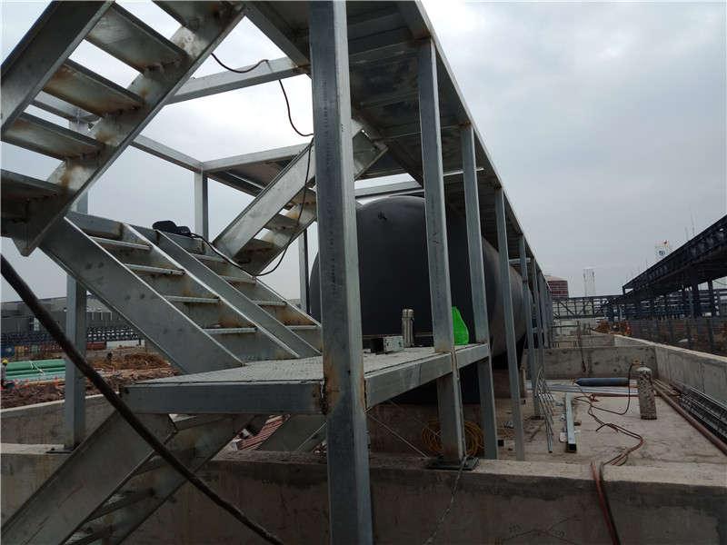 武汉京东方钢结构设备平台和楼梯